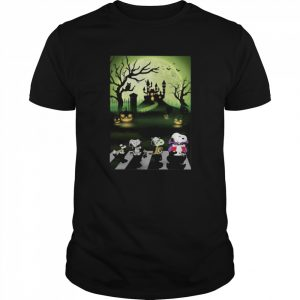 Snoopy Abbey Road Halloween Moon  Classic Men's T-shirt