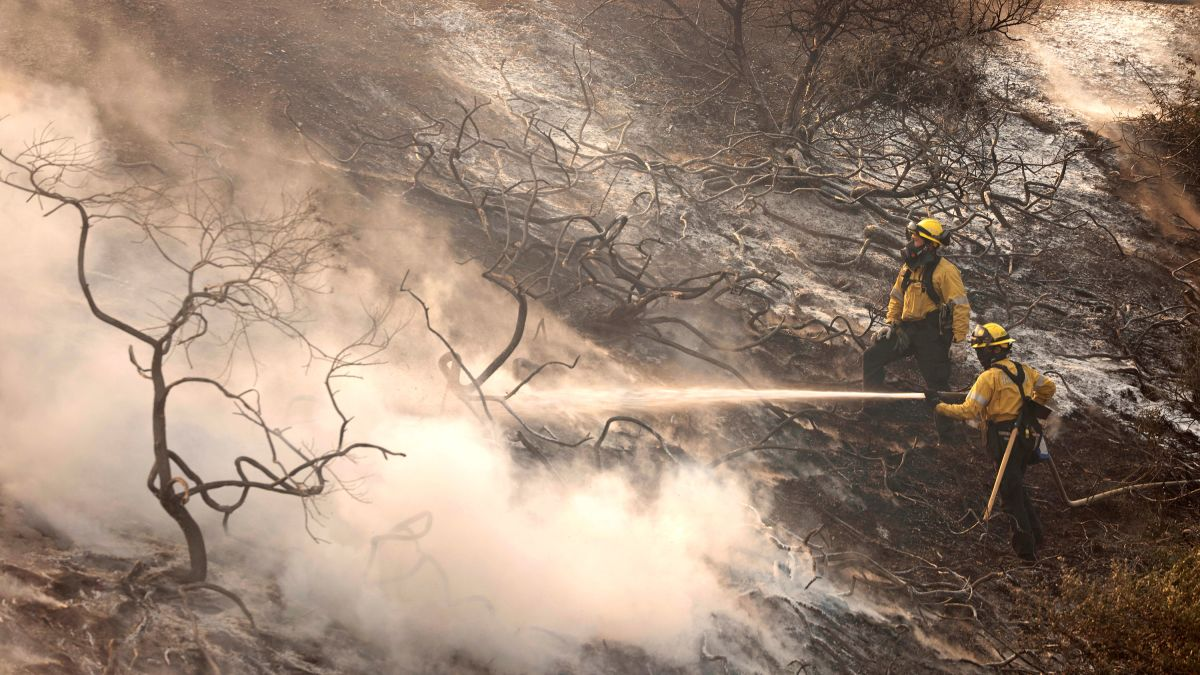Silverado Fire in Southern California critically injures two firefighters as it doubles in size